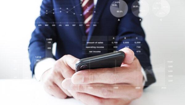 格安SIMを法人契約。かけ放題で年間7万円/人のコスト削減!